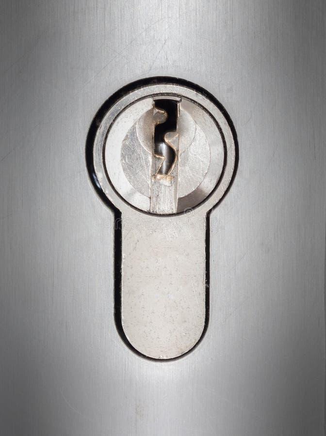 Plan rapproché de serrure de cylindre photographie stock libre de droits