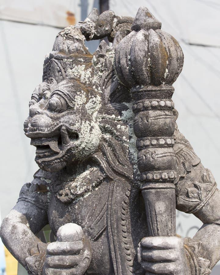 Plan rapproché de statue traditionnelle de Dieu de Balinese photographie stock