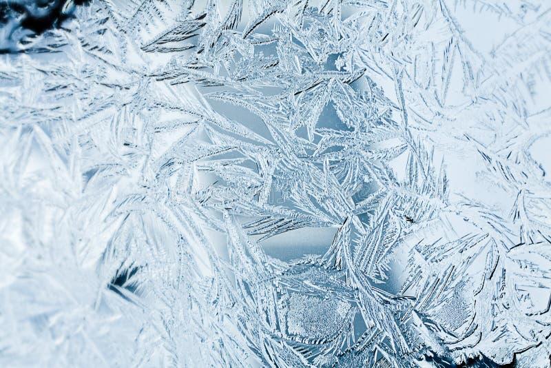 Plan rapproché de struction de Frost sur une fenêtre photographie stock