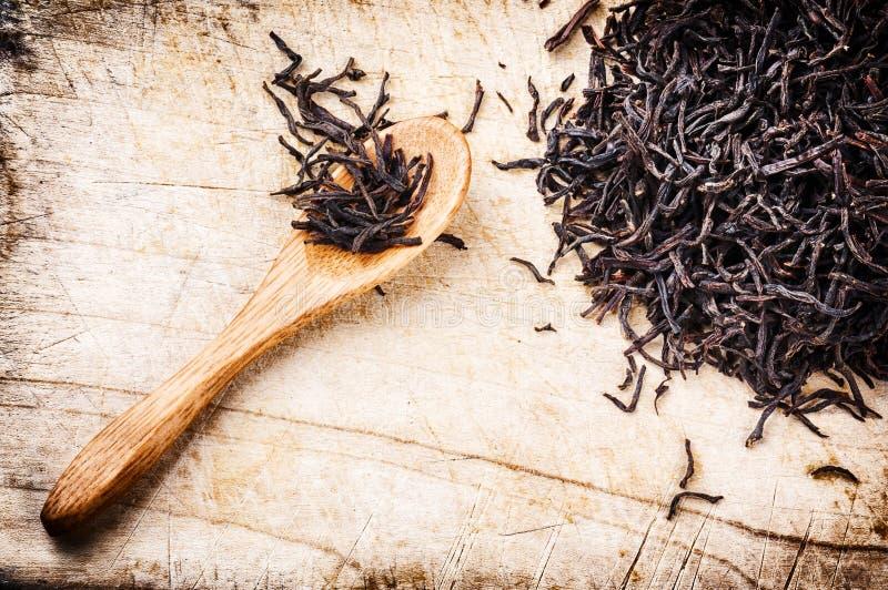 Plan rapproché de thé noir sec photos libres de droits