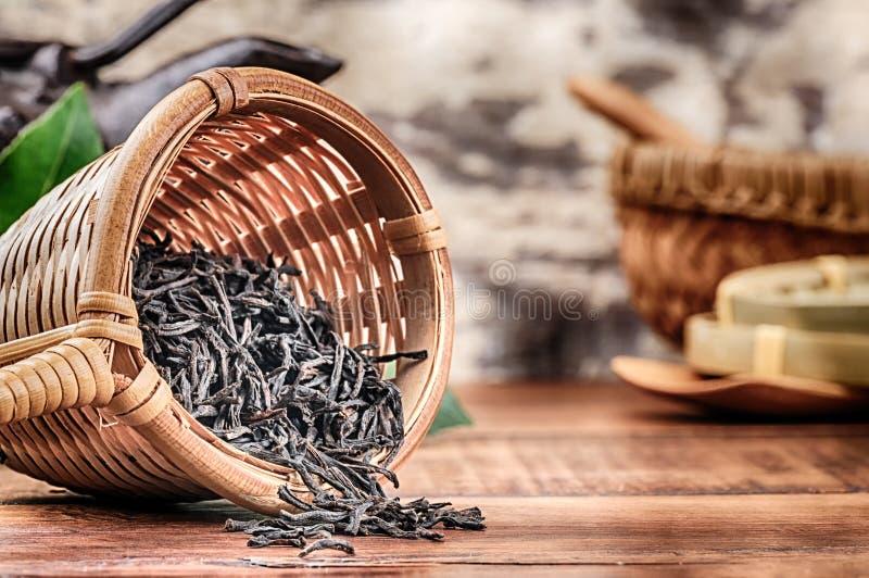 Plan rapproché de thé noir sec photo libre de droits