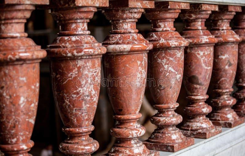 Plan rapproché des colonnes dans le musée d'Art History photo libre de droits
