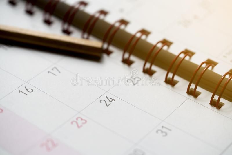 Plan rapproché des dates à la page de calendrier photos libres de droits