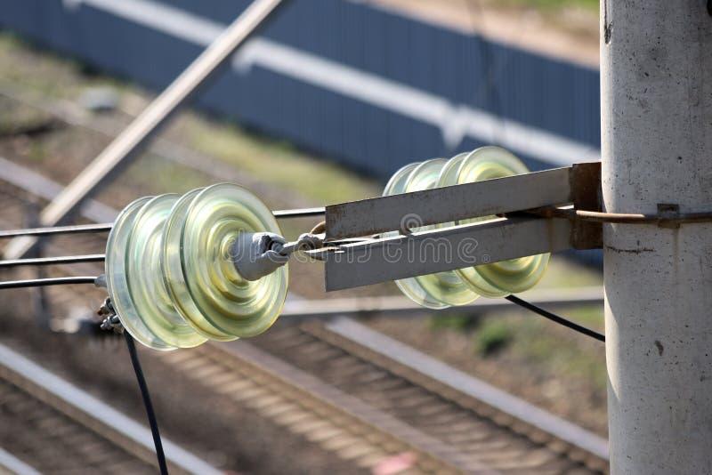Plan rapproché des isolateurs de disque faits de verre durci image libre de droits