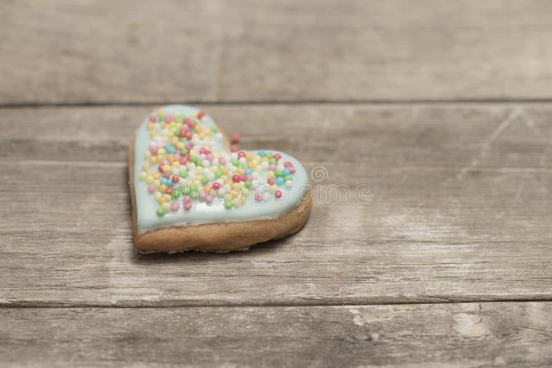 Plan rapproché du coeur de la valentine cuite au four délicieuse images libres de droits