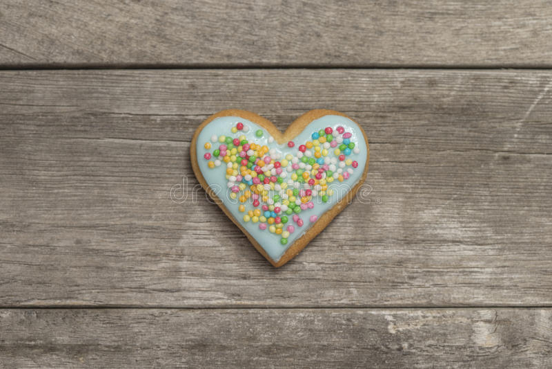 Plan rapproché du coeur de la valentine cuite au four délicieuse photos stock