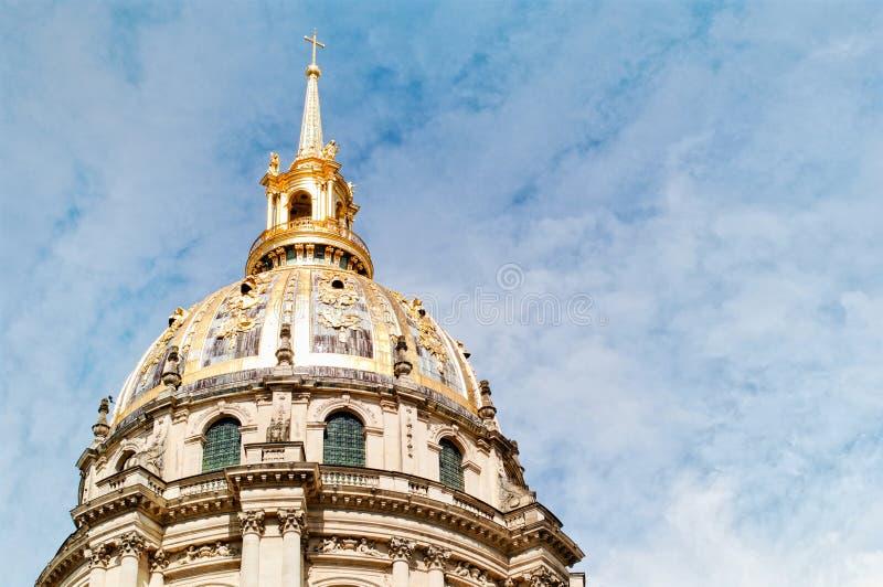 Plan rapproché du dessus de toit de la résidence nationale d'Invalids à Paris photo stock