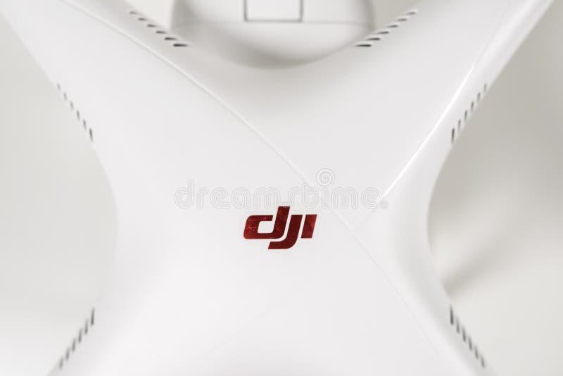 Plan rapproché du fantôme 3 de Dji de quadrocopter de bourdon avancé images libres de droits