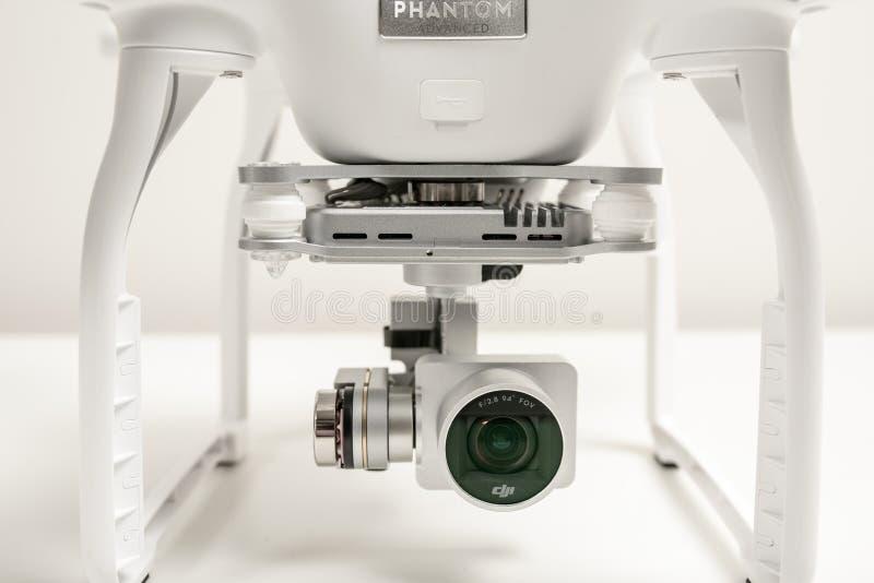 Plan rapproché du fantôme 3 de Dji de quadrocopter de bourdon avancé photos libres de droits