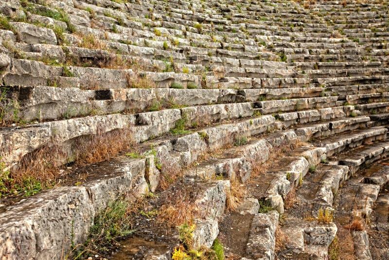 Plan rapproché du montage à l'amphithéâtre antique images stock