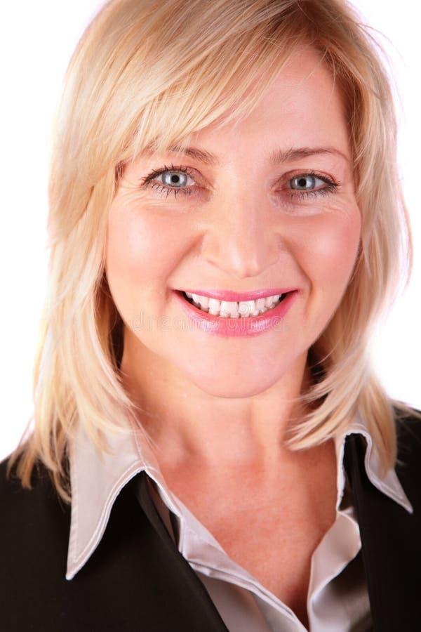 Plan rapproché entre deux âges de visage de femme d'affaires photos stock