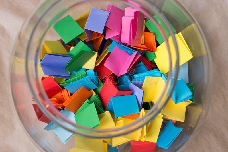Plan rapproché multicolore de billets de loterie photos libres de droits