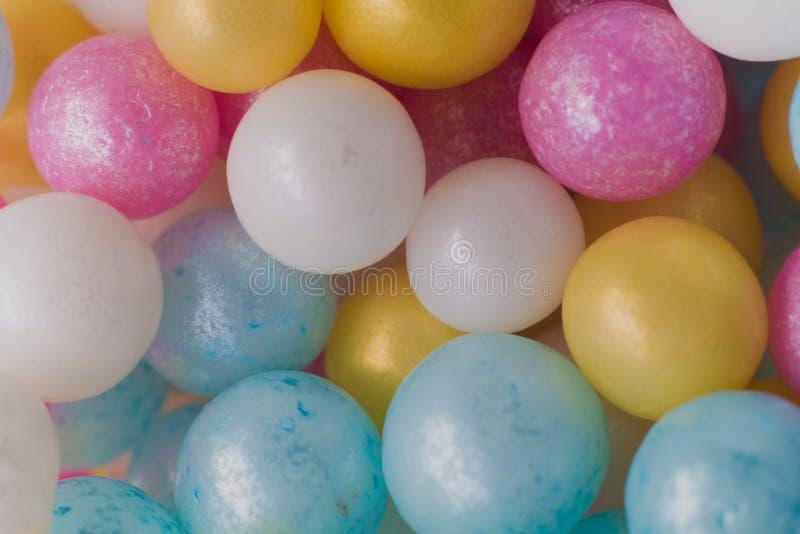 Plan rapproché multicolore de boules, macro tir images stock