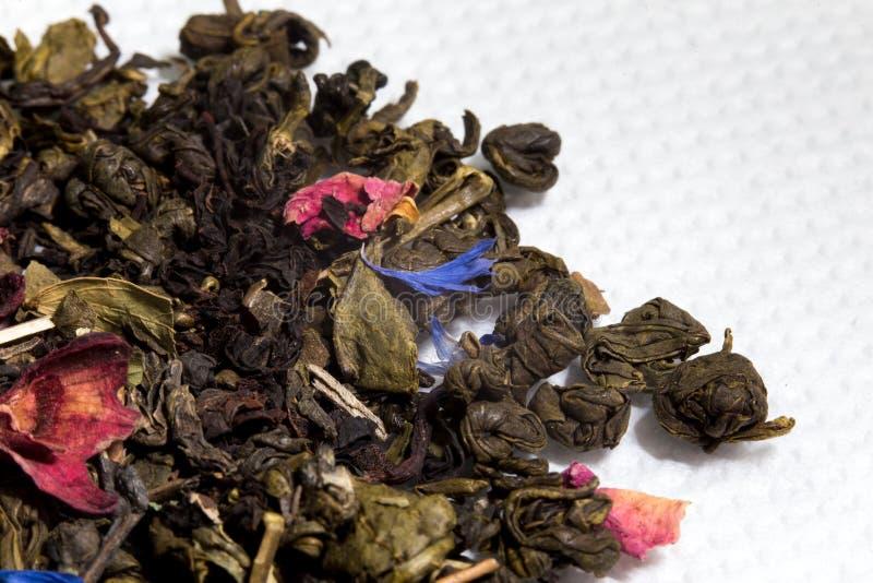 Plan rapproché sec de thé photographie stock