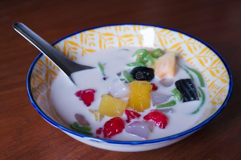 Plan rapproché sur un dessert délicieux thaïlandais photo libre de droits