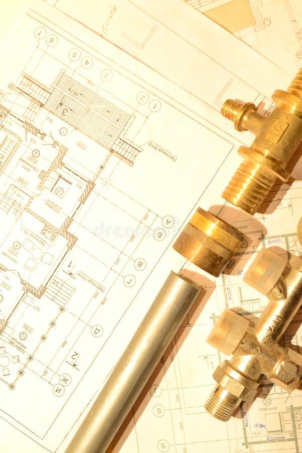 Plan sur remplacer des tuyaux d'approvisionnement en eau image libre de droits