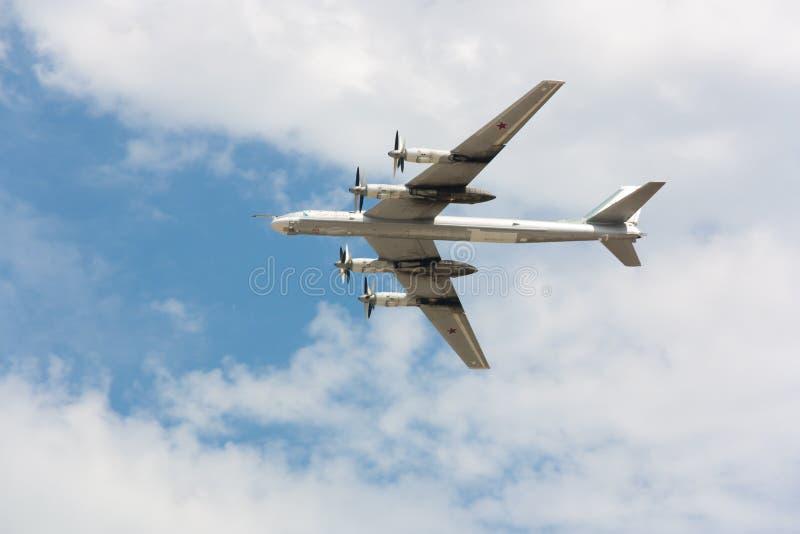 Plan Tu-95 arkivbild
