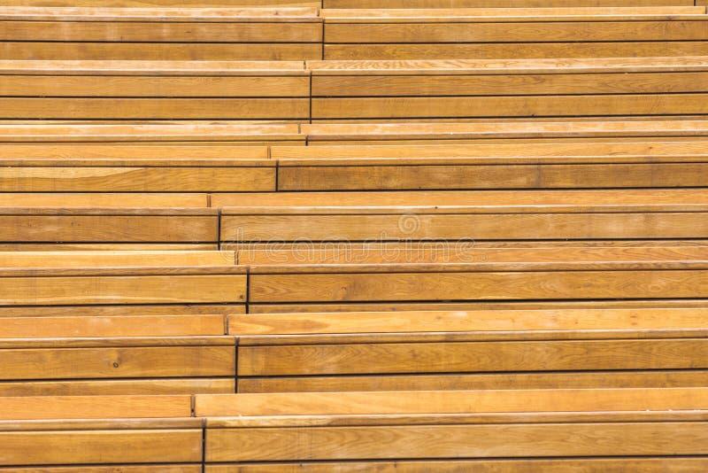 Plance di legno lunghe orizzontali con il fondo dei giunti fotografia stock