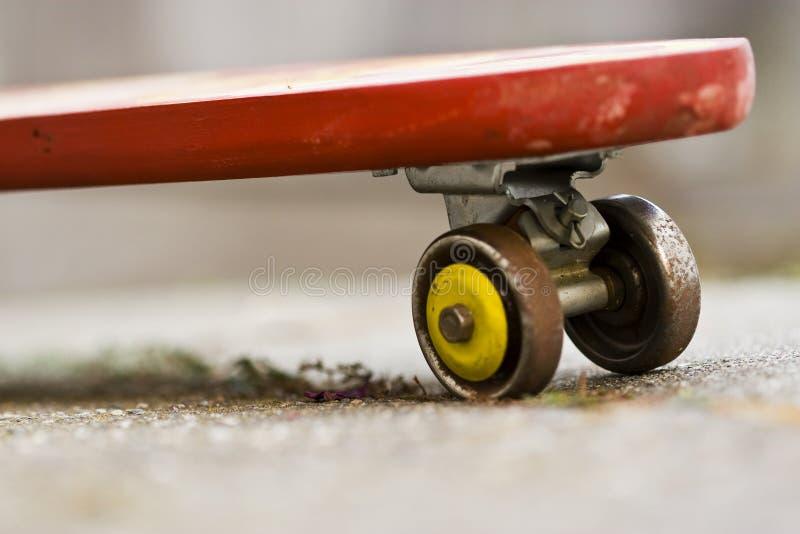 Planche à roulettes de cru photographie stock