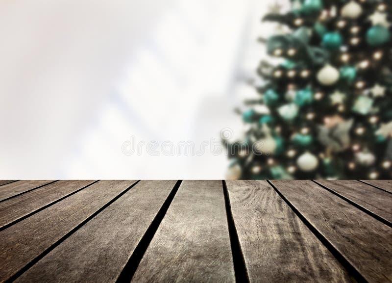 Planche defocused et en bois d'arbre de Noël photographie stock libre de droits