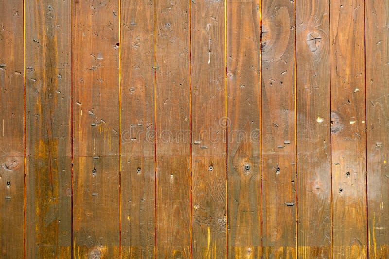 Planches brunes verticales en bois texture horizontal des panneaux de pin inextricable photographie stock libre de droits