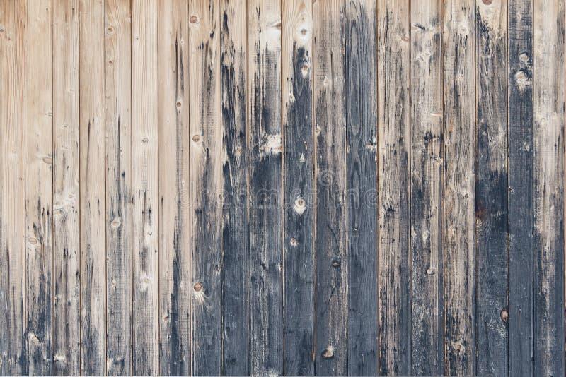 Planches verticales obscurcies Vieille frontière de sécurité photographie stock