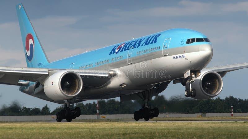 Plane B777-2B5 / ER Korean Air. Landing at airports Vaclav Havel in Prague royalty free stock photos