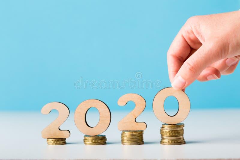 Planeamiento financiero del presupuesto por 2020 Años Nuevos con crecimiento fotografía de archivo libre de regalías