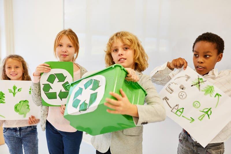 Planes para el proyecto de reciclado de la protección del medio ambiente imagen de archivo