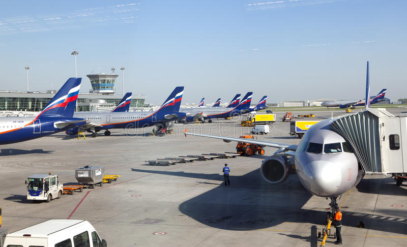 Planes at the Sheremetyevo International airport on May 8, 2010 in Moscow, Russia stock photography