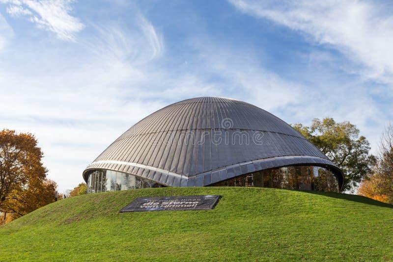 Planetario di Bochum Germania in autunno fotografia stock libera da diritti