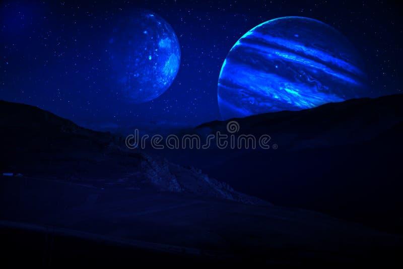 Planetenerde, -saturn und -jupiter in einer kosmischen Wolke - Elemente dieses Bildes versorgten durch die NASA stockfotografie
