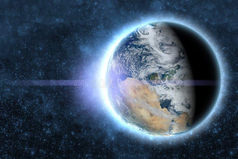 Planetjord med glödströmkretsen i yttre galaxutrymme Beståndsdelar av denna bild möblerade vid NASA f arkivbilder