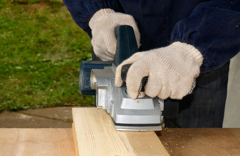 Planierung des Holzes stockbild