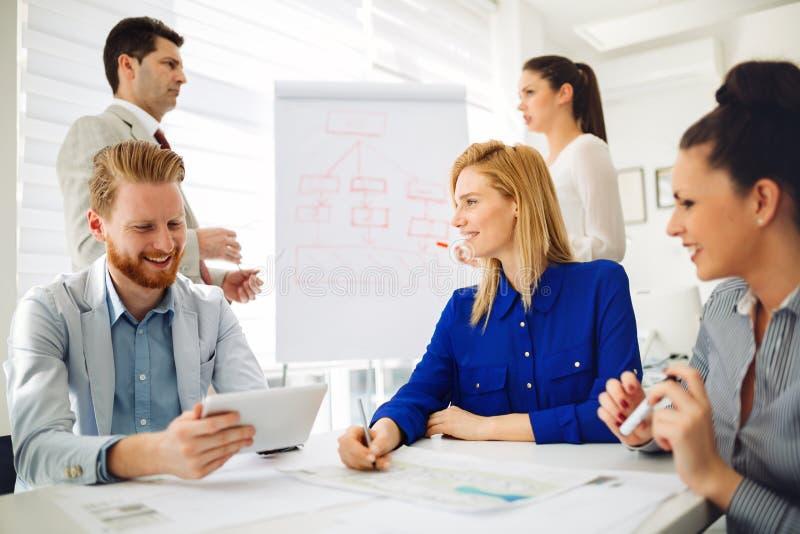 Planificación de los empresarios y de los arquitectos imagen de archivo