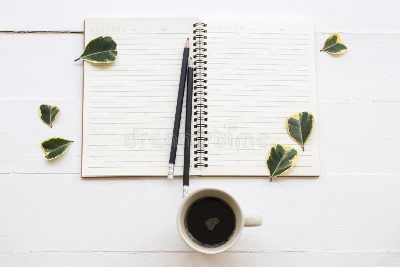 Planificateur de carnet pour le travail et le café d'affaires images libres de droits