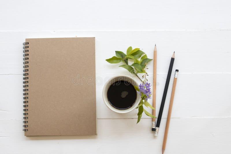 Planificateur de carnet pour le travail et le café d'affaires photo libre de droits