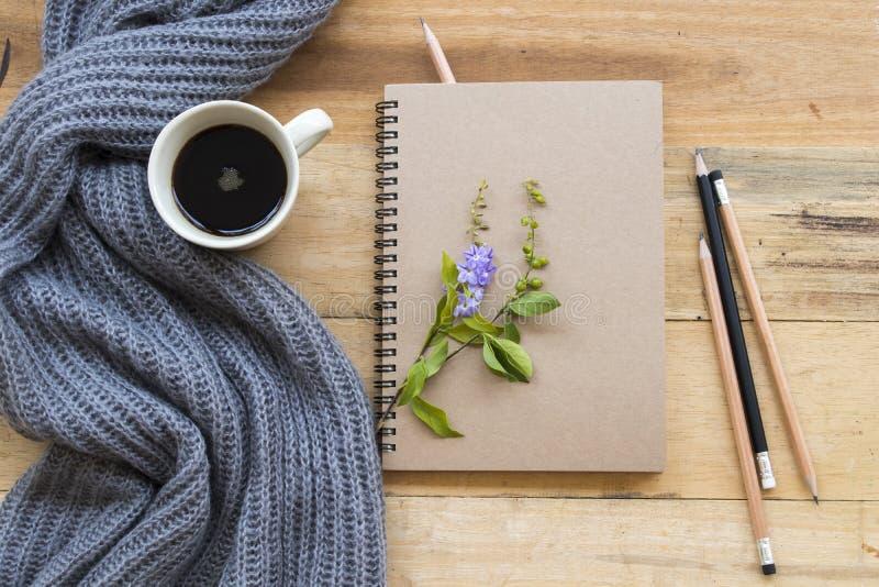 Planificateur de carnet pour le travail et le café d'affaires image stock
