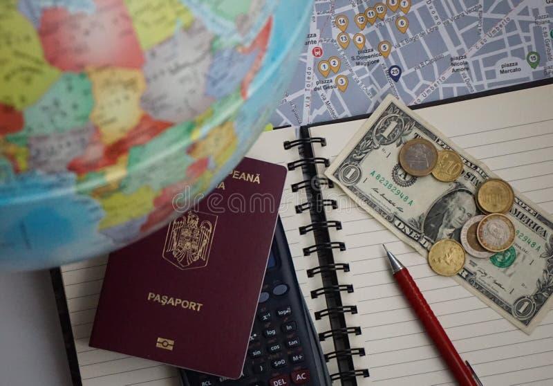 Planification et budgétisation de voyage photographie stock libre de droits
