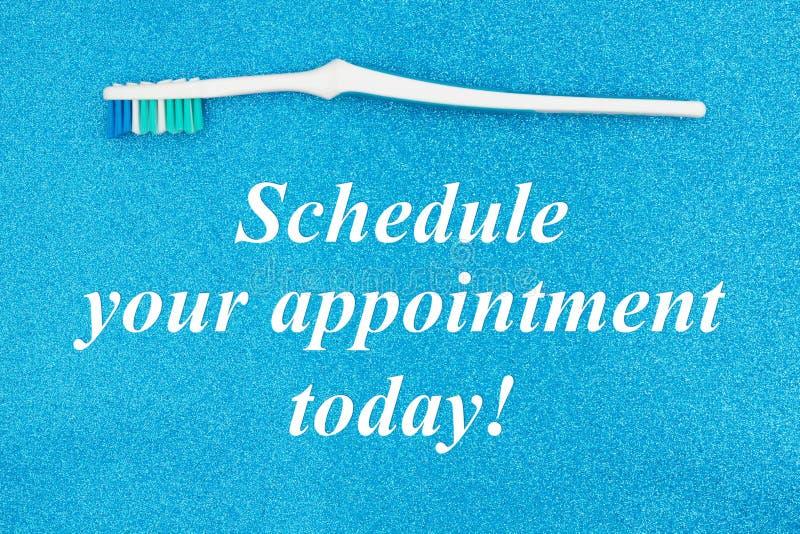 Planlagd din tidsbeställning smsar i dag med tandborsten royaltyfri illustrationer