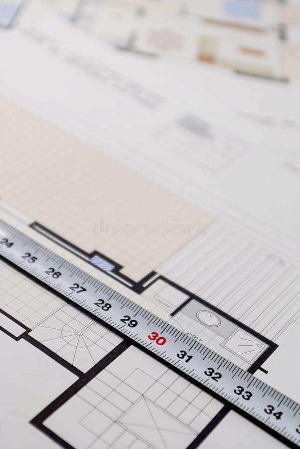 Plano arquitetónico para construir uma casa fotografia de stock