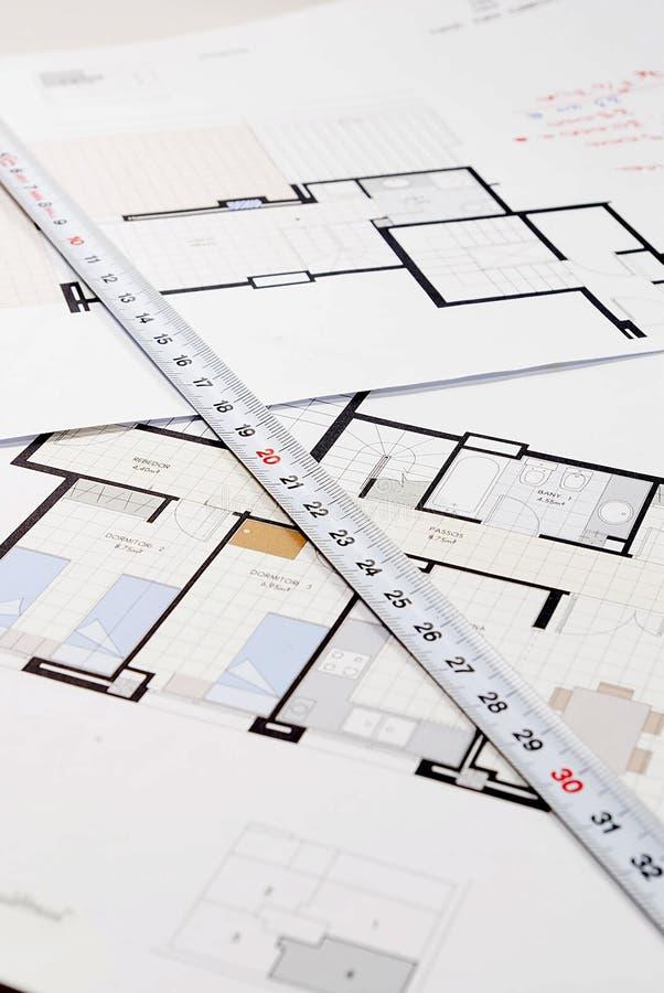 Plano arquitetónico para construir uma casa foto de stock royalty free