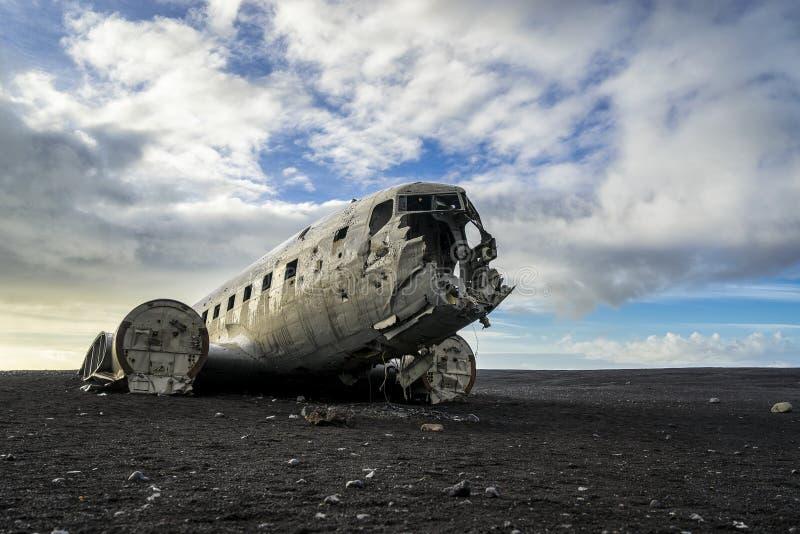 Plano DC-3 abandonado imagem de stock