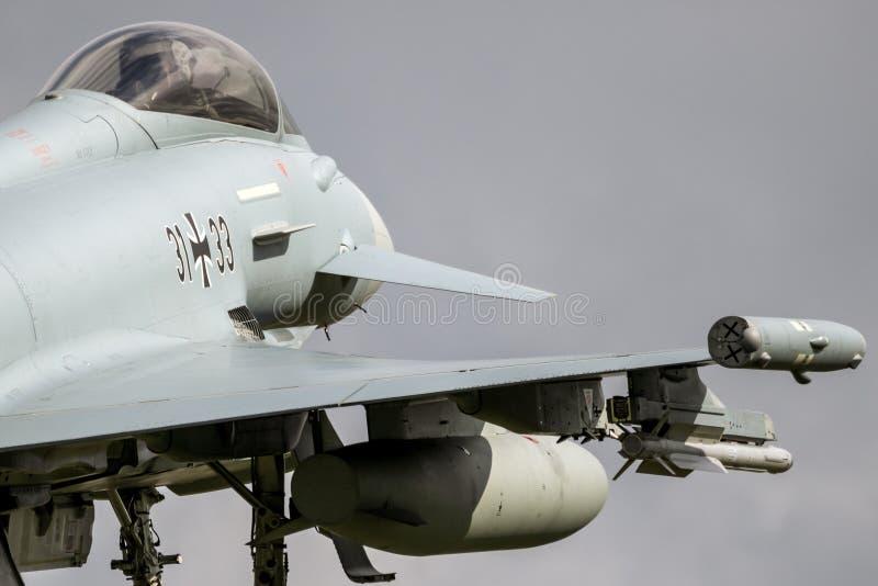 Plano de avião de combate alemão de Eurofighter Typhoon da força aérea imagens de stock