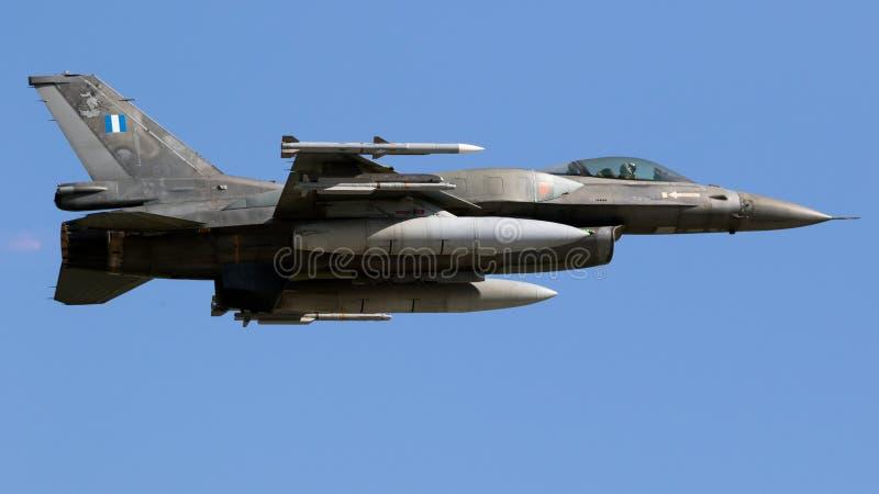 Plano de avião de combate F16 fotografia de stock