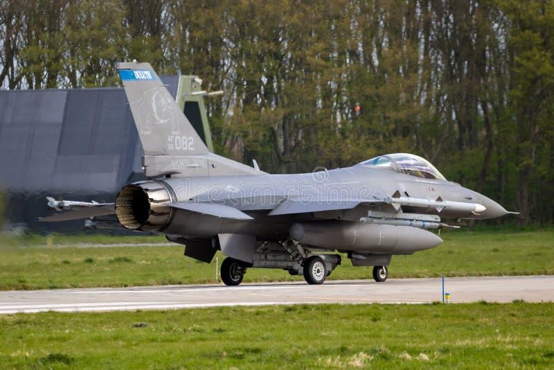 Plano de avi?o de combate da for?a a?rea de E.U.F-16C foto de stock royalty free