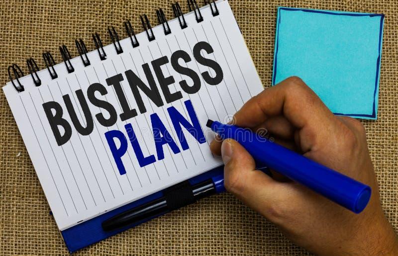 Plano de negócios do texto da escrita da palavra O conceito do negócio para projeções financeiras estruturais dos objetivos e dos imagens de stock royalty free