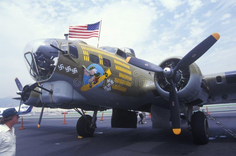 Plano del bombardero de la Segunda Guerra Mundial foto de archivo libre de regalías