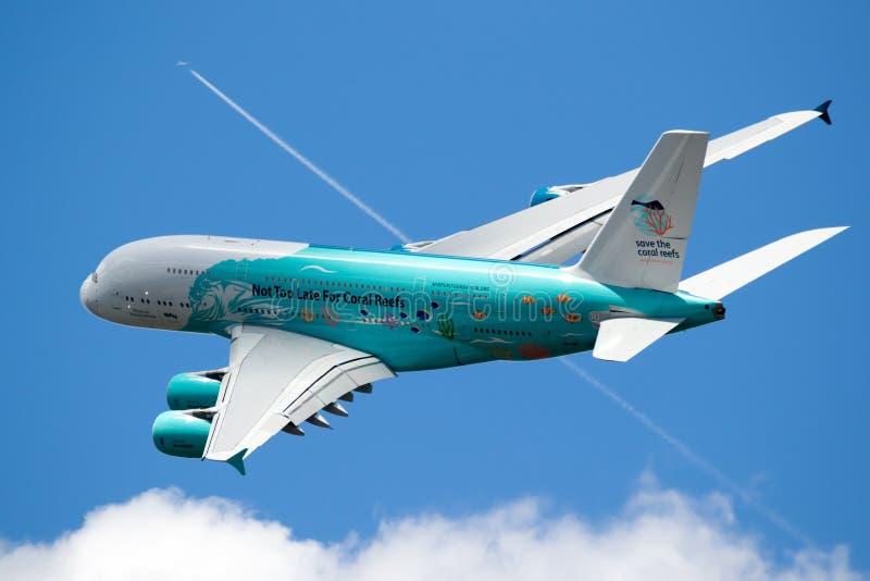 Plano do avião de passageiros de Airbus A380 fotos de stock