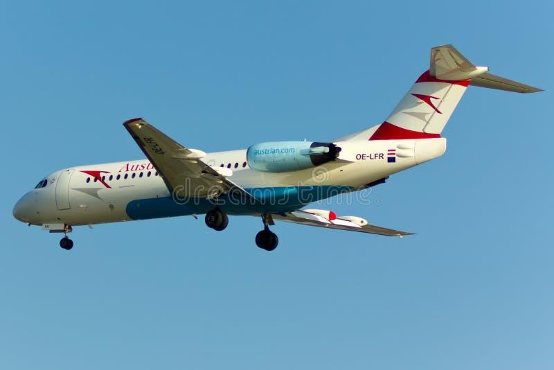 Plano do Fokker 70 fotografia de stock royalty free